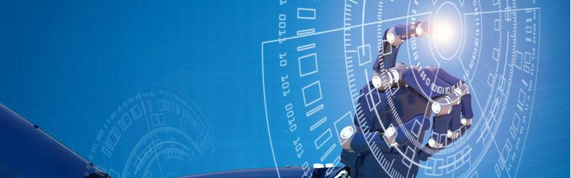 main robotisée cliquant sur des données numériques