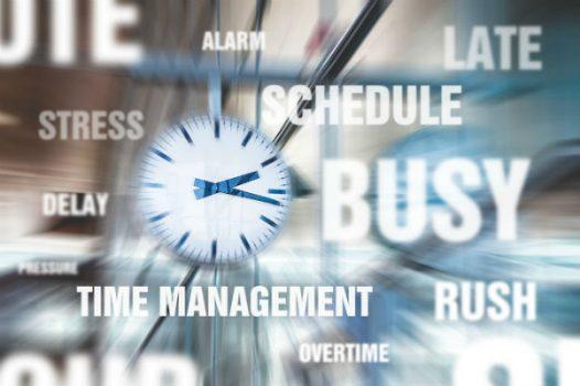 horloge avec nuage de tags pour évoquer le manque de temps