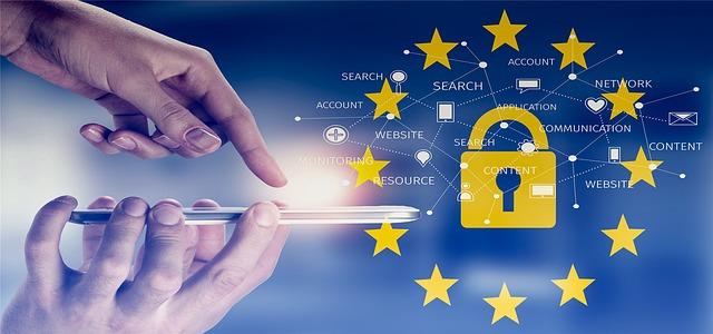 Telephone mobile et les données associées entourées du drapeau européen pour évoquer leur protedtion par le RGPD